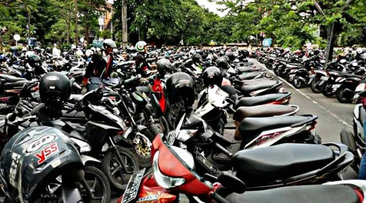 Walikota Batam Usul Pencabutan Fasilitas 15 Menit Parkir Gratis